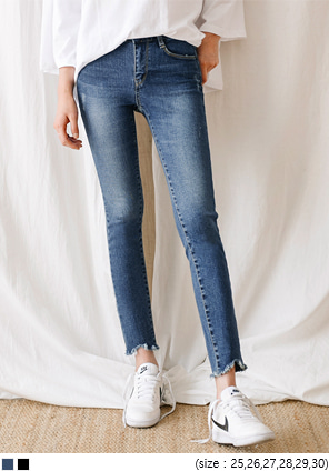 [BOTTOM] STRAIGHT V CUTTING DENIM PANTS