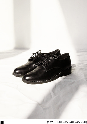 [SHOES] STUD STRAP LOAFER
