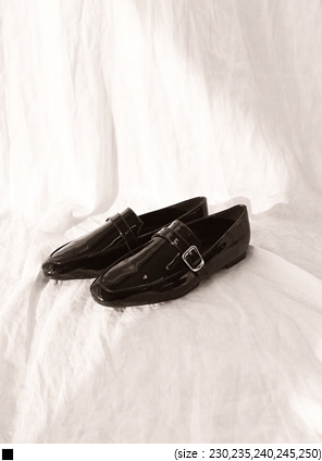 [SHOES] SLIM BUCKLE LOAFER - 2 TYPE
