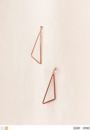 [JEWELRY] TRIANGLE DROP EARRING