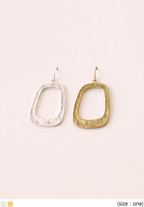 [JEWELRY] GRACE SQUARE BOLD EARRING