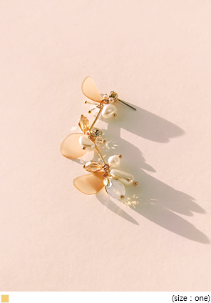 [JEWELRY] PETAL BEADS DROP EARRING