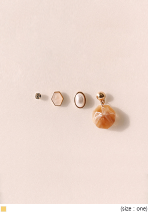 [JEWELRY] 4 TYPE VALUE EARRING SET