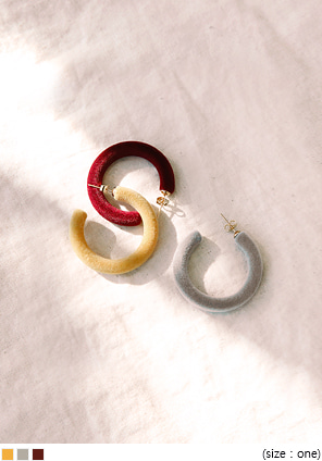 [JEWELRY] ONTHE SUEDE RING EARRING