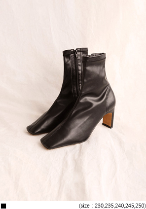 [SHOES] SAVE SQUARE ANKLE BOOTS
