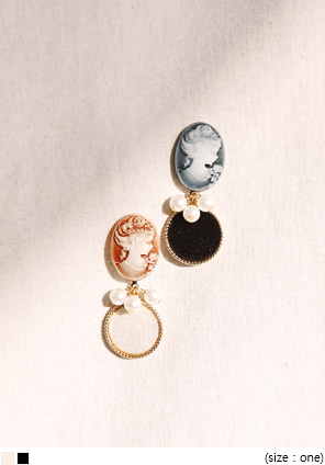 [JEWELRY] ANTIQUE PEARL VELVET EARRING