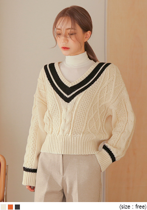 [TOP] BONITA TWIST V NECK KNIT