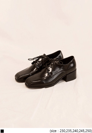 [SHOES] UNIQUE SQUARE LEATHER LOAFER
