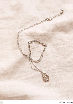 [JEWELRY] OLLI CROSS SILVER NECKLACE