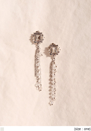 [JEWELRY] RAYLEIGH SQUARE DROP EARRING