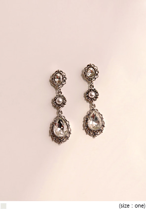 [JEWELRY] SALLY CUBIC DROP EARRING