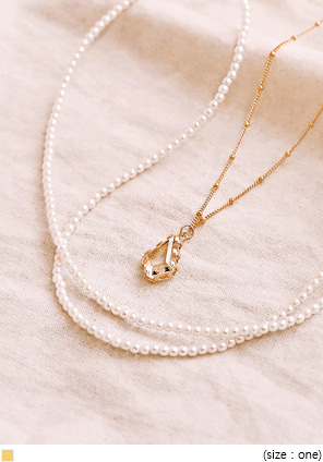 [JEWELRY] CRYSTAL PEARL LAYERED NECKLACE