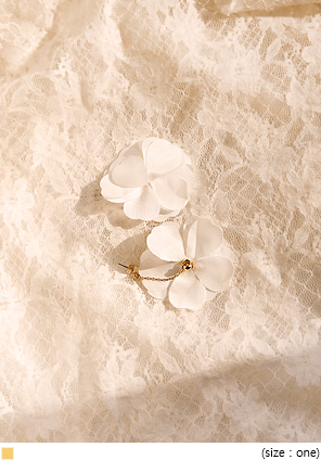 [JEWELRY] PRIMA FLOWER CHAIN DROP EARRING