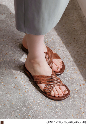 [SHOES] LOYT BROWN RATTAN SLIPPER - 2 TYPE