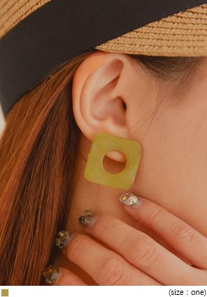 [JEWELRY] BERNICE MATT MIX SQUARE EARRING