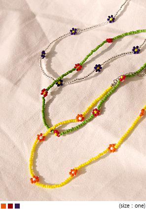 [JEWELRY] MOLY FLOWER BEADS NECKLACE