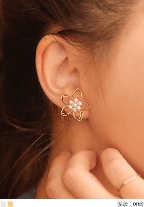 [JEWELRY] WIRE FLOWER PEARL EARRING