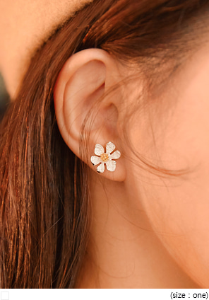 [JEWELRY] CAMPO FLOWER EARRING