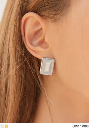 [JEWELRY] CLARIANG SQUARE EARRING