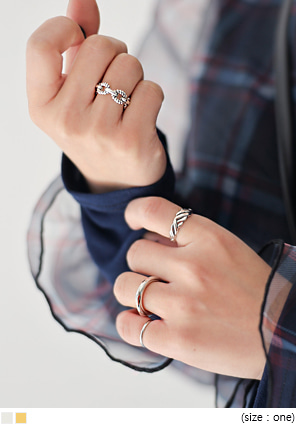 [JEWELRY] LAOM LAYERED RING 4 SET