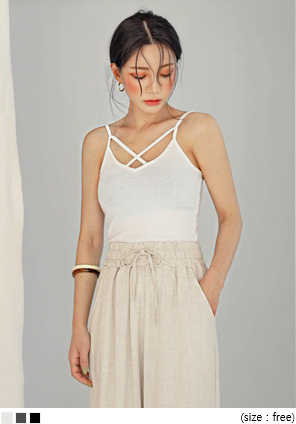 [TOP] AIRA X STRAP GOLGI SLEEVELESS