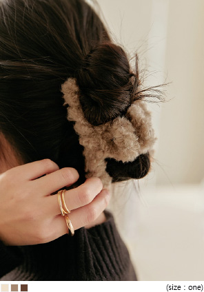 [ACC] RIZEN TWIST FUR HAIR CLIP