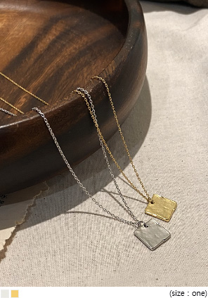 [JEWELRY] TOVA SQUARE PENDANT NECKLACE